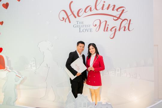 """Ca sĩ Sunny Đan Ngọc ngọt ngào trong đêm nhạc """"Healing Night"""" - Ảnh 4."""