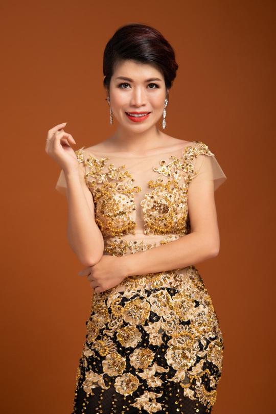 Diễn giả MC Thi Thảo chào đón Giáng sinh bằng bộ hình ấn tượng - Ảnh 4.