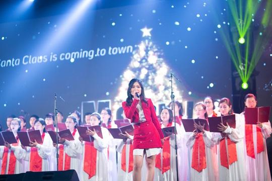 """Ca sĩ Sunny Đan Ngọc ngọt ngào trong đêm nhạc """"Healing Night"""" - Ảnh 5."""