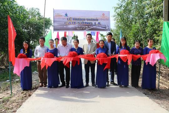 Khánh thành cầu dân sinh bắc qua sông Lá ở Hậu Giang - Ảnh 3.