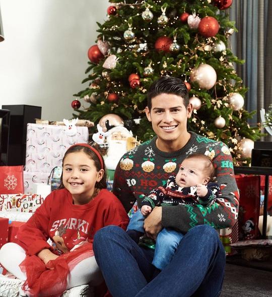 Kỳ nghỉ Giáng sinh đầy sắc màu của sao bóng đá thế giới - Ảnh 8.