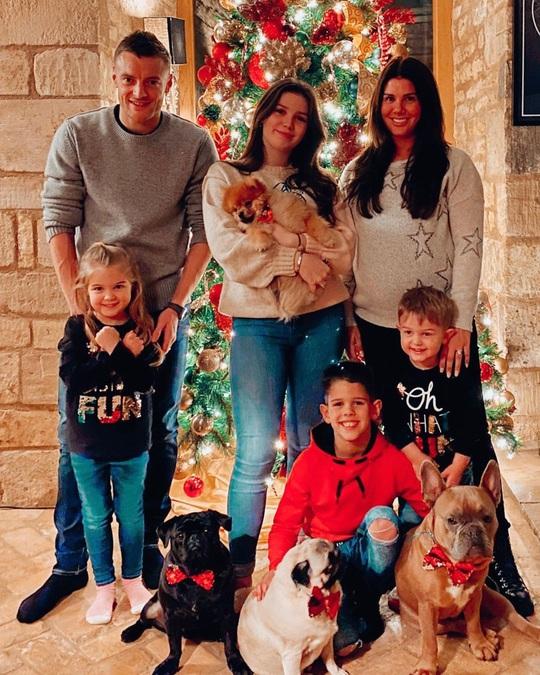 Kỳ nghỉ Giáng sinh đầy sắc màu của sao bóng đá thế giới - Ảnh 15.