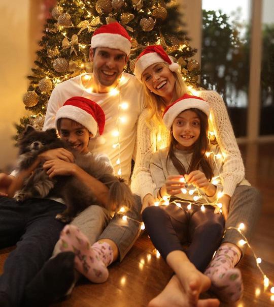 Kỳ nghỉ Giáng sinh đầy sắc màu của sao bóng đá thế giới - Ảnh 7.
