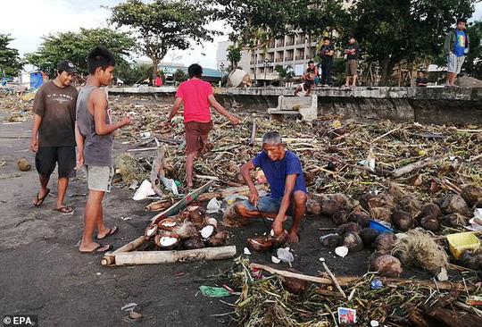 Làm 16 người chết ở Philippines, bão Phanfone hướng đến Việt Nam - Ảnh 4.