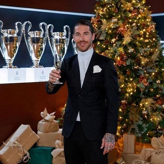Kỳ nghỉ Giáng sinh đầy sắc màu của sao bóng đá thế giới - Ảnh 18.