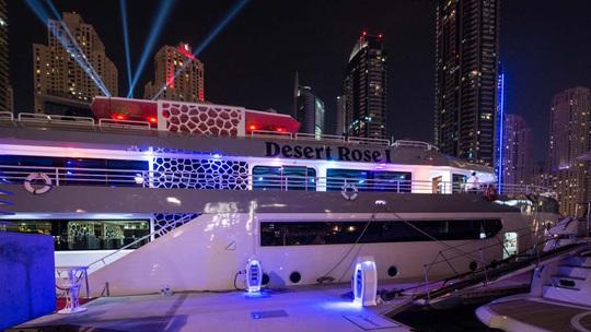 Cuộc sống xa xỉ của giới giàu Dubai - Ảnh 4.