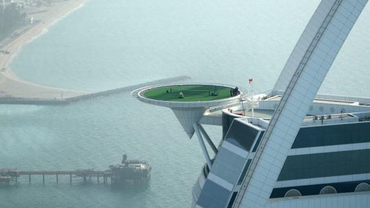 Cuộc sống xa xỉ của giới giàu Dubai - Ảnh 6.