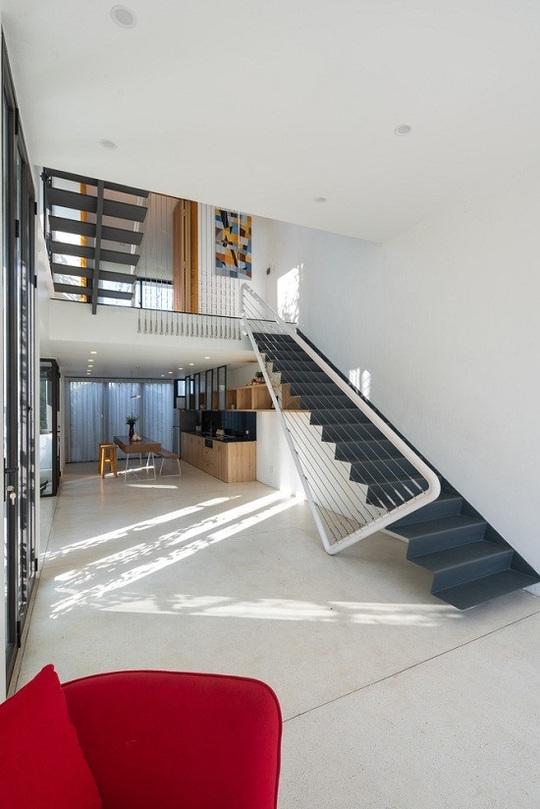 Ngôi nhà tưởng 3 tầng hóa 5 - Ảnh 3.