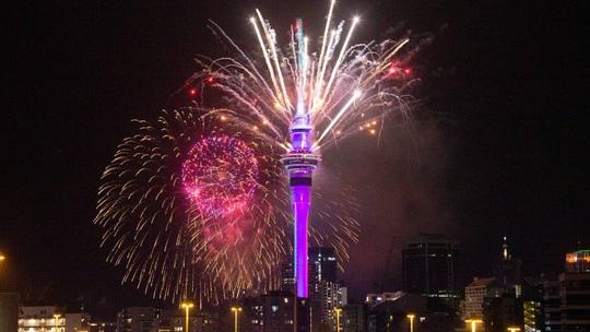 Úc vẫn rực rỡ pháo hoa mừng năm mới 2020 - Ảnh 26.