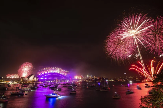 Úc vẫn rực rỡ pháo hoa mừng năm mới 2020 - Ảnh 21.