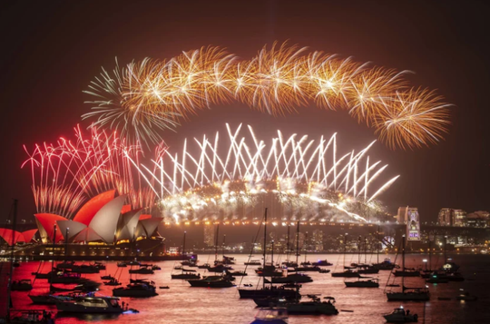 Úc vẫn rực rỡ pháo hoa mừng năm mới 2020 - Ảnh 17.