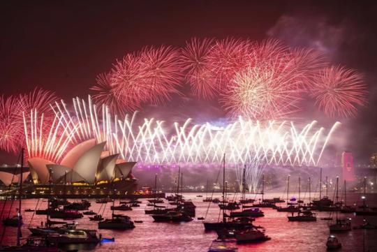 Úc vẫn rực rỡ pháo hoa mừng năm mới 2020 - Ảnh 13.