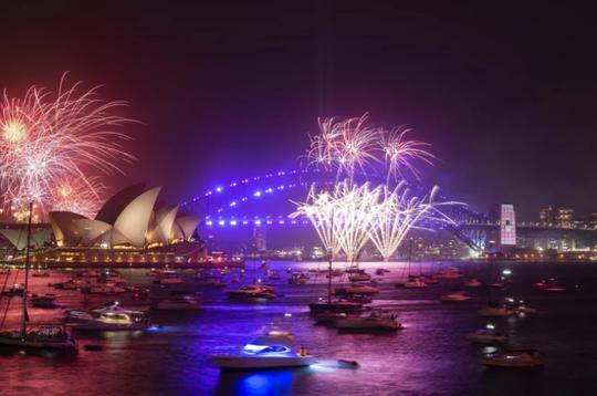 Úc vẫn rực rỡ pháo hoa mừng năm mới 2020 - Ảnh 4.