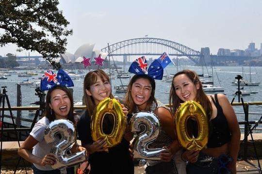 Úc vẫn rực rỡ pháo hoa mừng năm mới 2020 - Ảnh 2.
