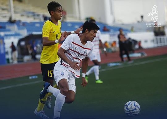 Loại Malaysia, U22 Campuchia làm nên lịch sử, lần đầu vào bán kết SEA Games - Ảnh 1.
