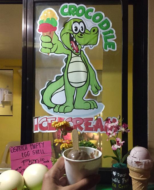 Ăn thử kem trứng cá sấu ở Philippines - Ảnh 2.