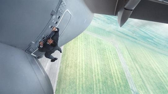 Những tạo hình ấn tượng trong sự nghiệp phim hành động của Tom Cruise - Ảnh 13.