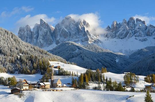 Khung cảnh tuyết phủ như xứ sở thần tiên ở châu Âu - Ảnh 1.