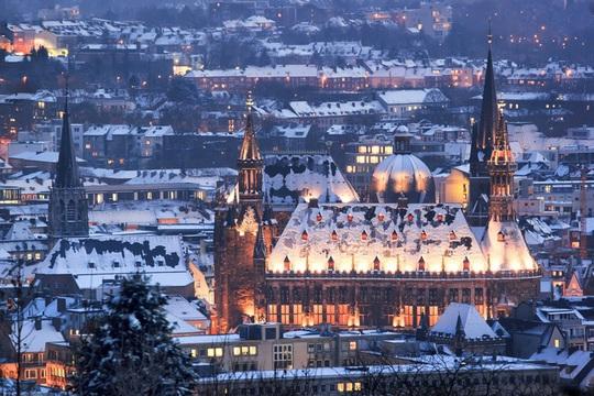 Khung cảnh tuyết phủ như xứ sở thần tiên ở châu Âu - Ảnh 8.