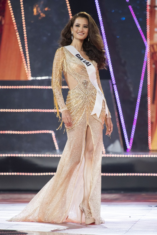 Nguyễn Trần Khánh Vân đăng quang Hoa hậu Hoàn vũ Việt Nam 2019 - Ảnh 12.