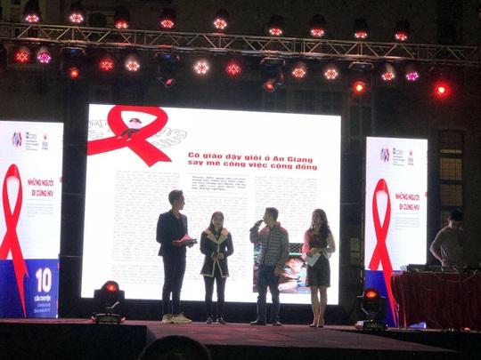 Có HIV vẫn hạnh phúc bên người tình khoẻ mạnh - Ảnh 1.