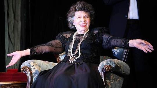 Nữ diễn viên tuổi nghề già nhất thế giới qua đời - Ảnh 2.
