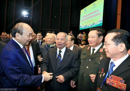 Thủ tướng dự lễ kỷ niệm 65 năm trường học sinh miền Nam trên đất Bắc - Ảnh 1.