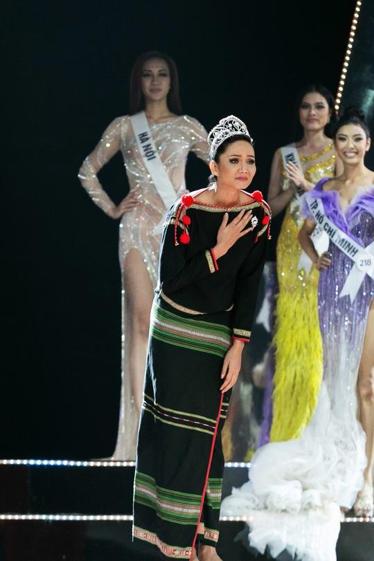 Hoa hậu Hhen Niê: 2 năm qua như một giấc ngủ với mộng đẹp - Ảnh 1.