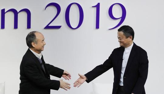 Jack Ma: Các công ty không thể sống dựa vào cổ đông - Ảnh 1.