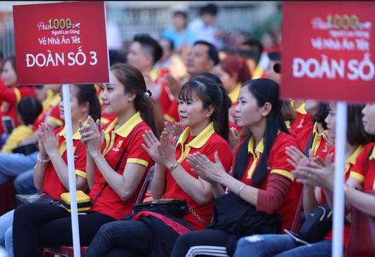 Chuyên cơ đưa người lao động tiêu biểu về Tết chính thức cất cánh - Ảnh 3.
