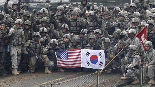Hàn Quốc đồng ý chi thêm tiền duy trì lực lượng Mỹ - Ảnh 1.