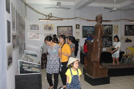 Đông nghẹt khách quốc tế tham quan Nhà tù Phú Quốc - Ảnh 9.