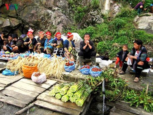 Du xuân Ô Quy Hồ - cung đèo huyền thoại ở vùng cao Tây Bắc - Ảnh 4.
