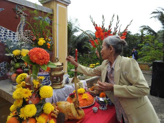 Du khách thích thú với lễ hội Cầu Bông làng rau Trà Quế - ảnh 5