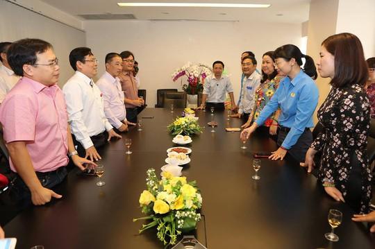 Chủ tịch LĐLĐ TP HCM chúc Tết Báo Người Lao Động - Ảnh 4.
