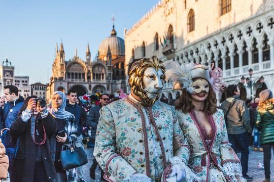 Đến Venice vào tháng 2, dự lễ hội hóa trang hoành tráng nhất năm - Ảnh 1.