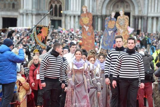 Đến Venice vào tháng 2, dự lễ hội hóa trang hoành tráng nhất năm - Ảnh 4.