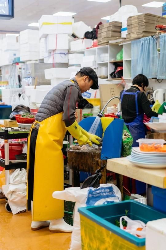 Khám phá khu chợ hải sản lớn nhất Seoul - Ảnh 8.