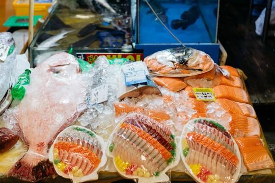 Khám phá khu chợ hải sản lớn nhất Seoul - Ảnh 10.