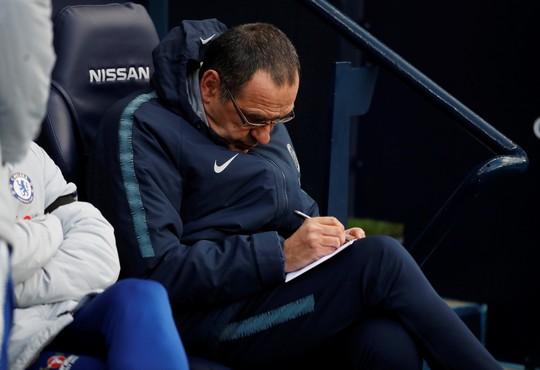 Chelsea thua tan tác, HLV Sarri có 7 ngày cứu ghế - Ảnh 2.