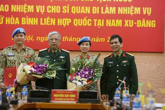 Trao Quyết định của Chủ tịch nước cho sĩ quan đi gìn giữ hòa bình - Ảnh 2.