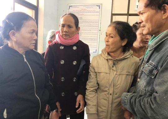 Quảng Ngãi giải thích vụ náo loạn khi sáp nhập bệnh viện - Ảnh 2.