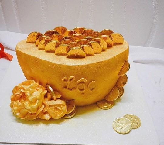 """Bánh """"hũ vàng"""" gây sốt trước ngày Thần Tài: Chủ lò đóng cửa, từ chối khách - Ảnh 2."""