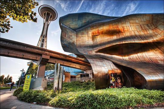 10 tòa nhà méo mó, vặn vẹo như chỉ có trong phim viễn tưởng - Ảnh 2.