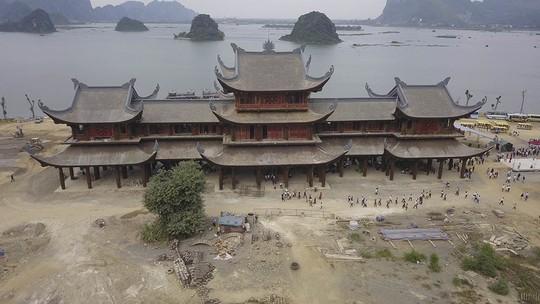 Ngôi chùa lớn nhất thế giới ở Hà Nam đón hàng vạn lượt khách - Ảnh 3.