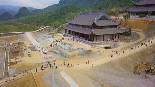 Ngôi chùa lớn nhất thế giới ở Hà Nam đón hàng vạn lượt khách - Ảnh 14.