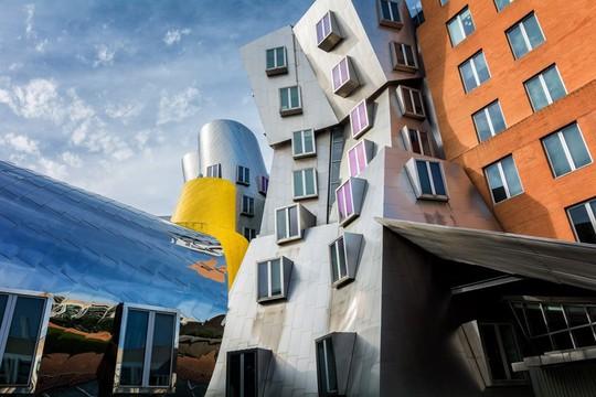 10 tòa nhà méo mó, vặn vẹo như chỉ có trong phim viễn tưởng - Ảnh 4.