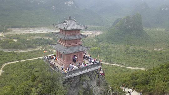 Ngôi chùa lớn nhất thế giới ở Hà Nam đón hàng vạn lượt khách - Ảnh 7.