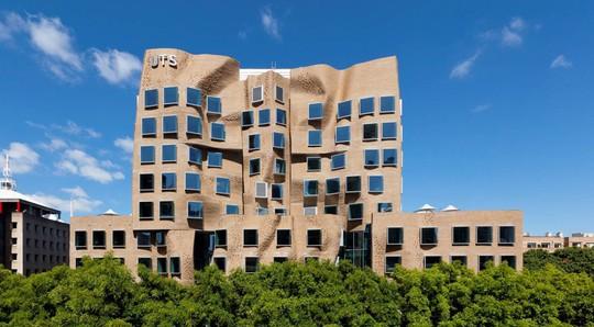 10 tòa nhà méo mó, vặn vẹo như chỉ có trong phim viễn tưởng - Ảnh 7.