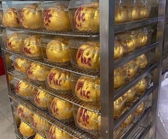 """Bánh """"hũ vàng"""" gây sốt trước ngày Thần Tài: Chủ lò đóng cửa, từ chối khách - Ảnh 8."""